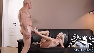 Horny ash-blonde wants to attempt someone tiny bit more experienced